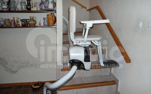 silla salvaescaleras vista lateral