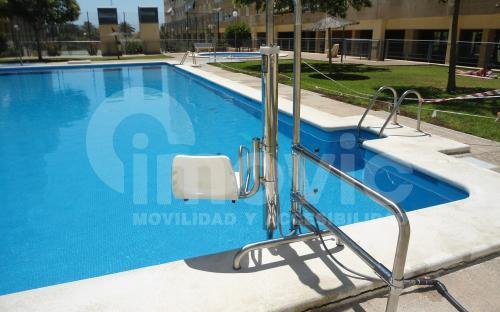 Accesibilidad piscinas discapacitados